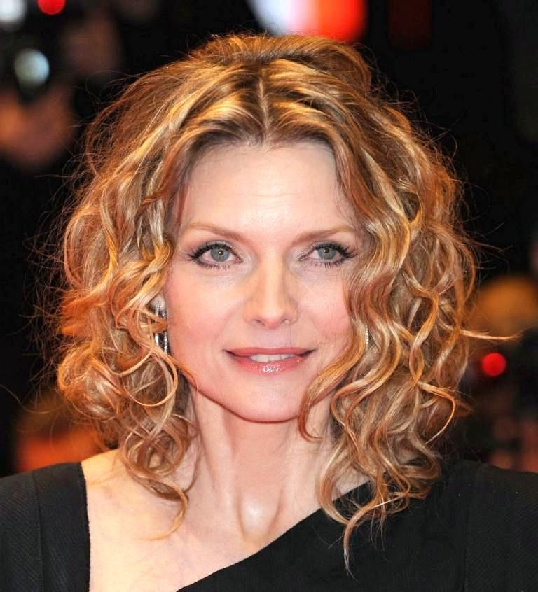 Curly Hairstyles For Women Over 40 Elle Hairstyles Medium Curly Hair Styles Fine Curly Hair Hair Styles