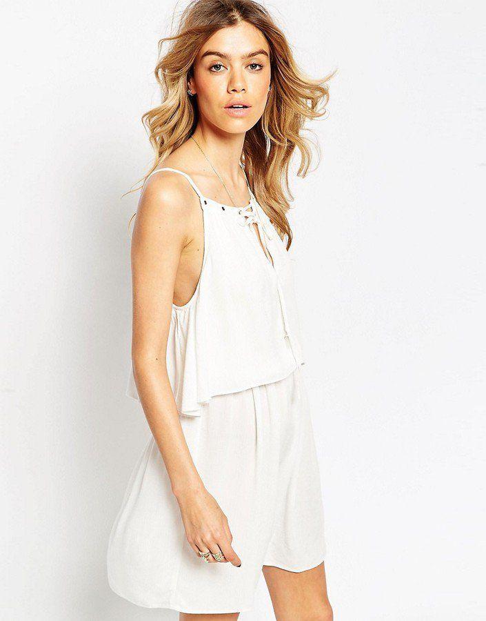 Pin for Later: 40 weiße Sommerkleider unter 100 €  ASOS Boho-Kleid mit Schnürung vorne (50 €)