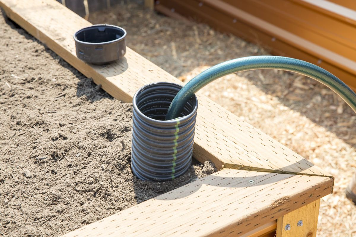 How To Build A Self Watering Raised Bed Part 2 Installing The Irrigation Vegetable Garden Raised Beds Watering Raised Garden Beds Raised Garden Beds Diy