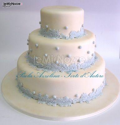 http://www.lemienozze.it/gallerie/torte-nuziali-foto/img18088.html Torta nuziale multipiano sui toni dell'azzurro