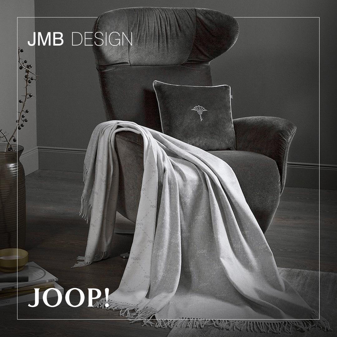 Ciepłe, jedwabiste pledy z kolekcji JOOP! przyjemnie otulą w chłodne wieczory, a także dodadzą uroku każdemu wnętrzu. 🤍 #homedesign #homedecor #pledy #joop #joopliving #interiorhome #salon #home #house #dom #wnętrza #luksusowewnętrza #modernhome #designcrush #elledecor #cozyhome #cozyhomedesign #inspiringinteriors #glamhome #polskiewnętrza #wnętrzazesmakiem #wystrójwnętrz #domoweinspiracje #aranżacjawnętrz #aranżacja #dobrewnętrze #jmbdesign