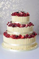 Wedding Cakes in London & Woking, Surrey from Le Papillon Patisserie