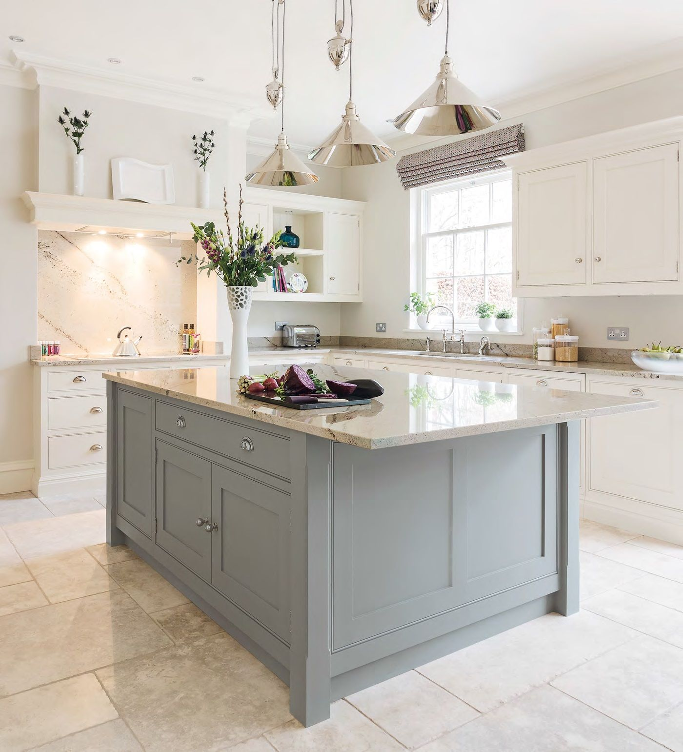 Kitchen Islands Uk Single Hole Faucet With Pull Out Spray Tom Howley S Classic Hartford Design Beautiful Kitchens January 2015