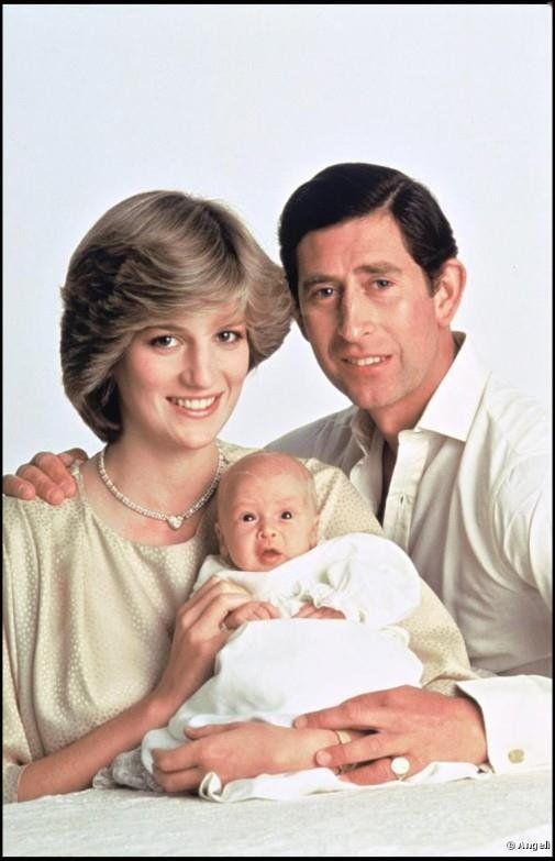 21 juin 1982 Naissance du prince William #royaute https://t.co/zjR66LnmXr https://t.co/poZMAjFHMB