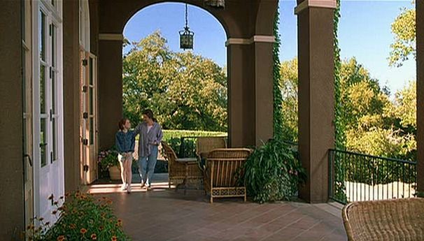 Extra High Ceiling In Outdoor Patio   Napa House From The Movie The Parent  Trap