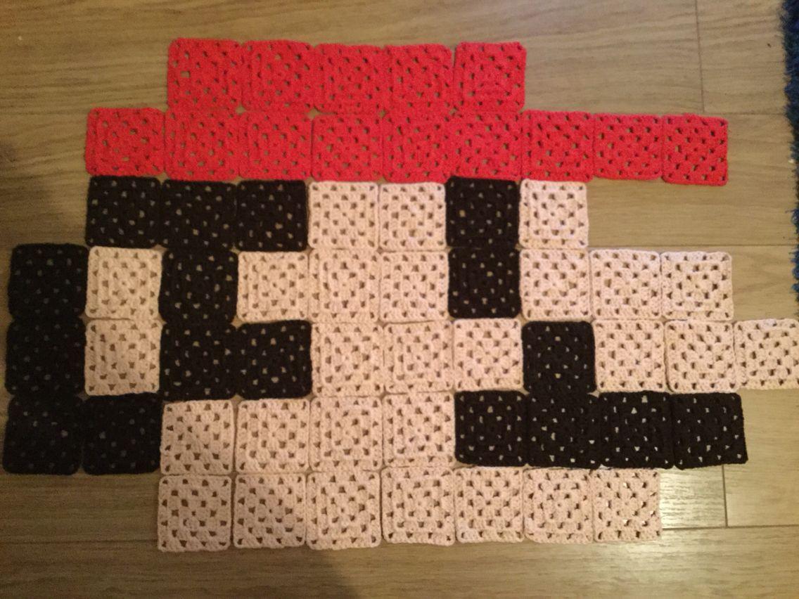 8 Bit Crochet Rug - Mario's Head