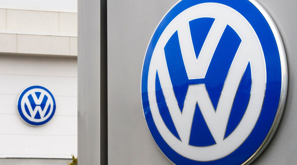 Volkswagen exec pleads guilty to conspiracy, fraud charges in ...