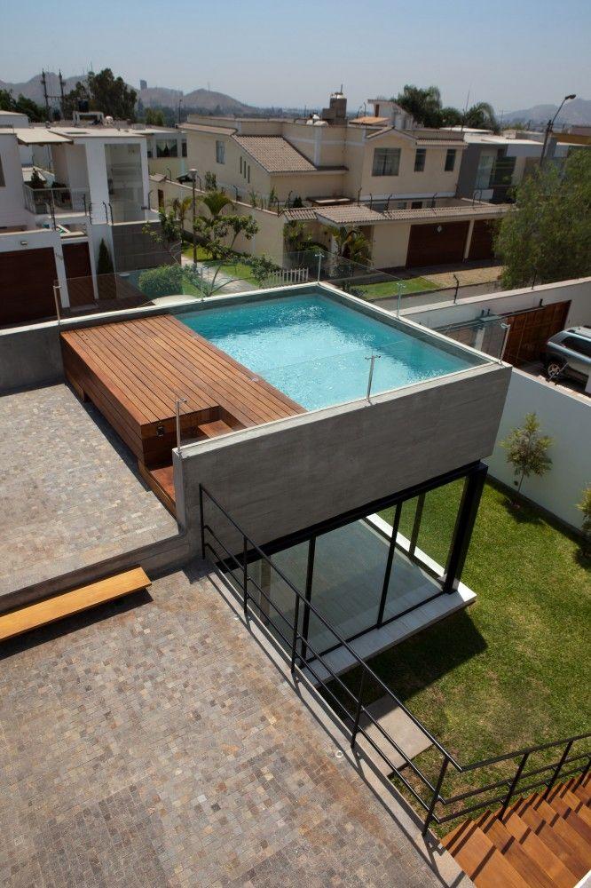 Gallery Of Surrounded House Nikolas Briceño Arquitectos 16 Rooftop Design Rooftop Terrace Design Terrace Design