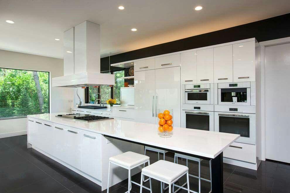 Bunte Kunstwerke, Kücheneinrichtung, Fliesenboden, Ideen Für Die Küche,  Schrank, Innenräume, Schwarze Fliesen, Wände Streichen, Arbeitsflächen