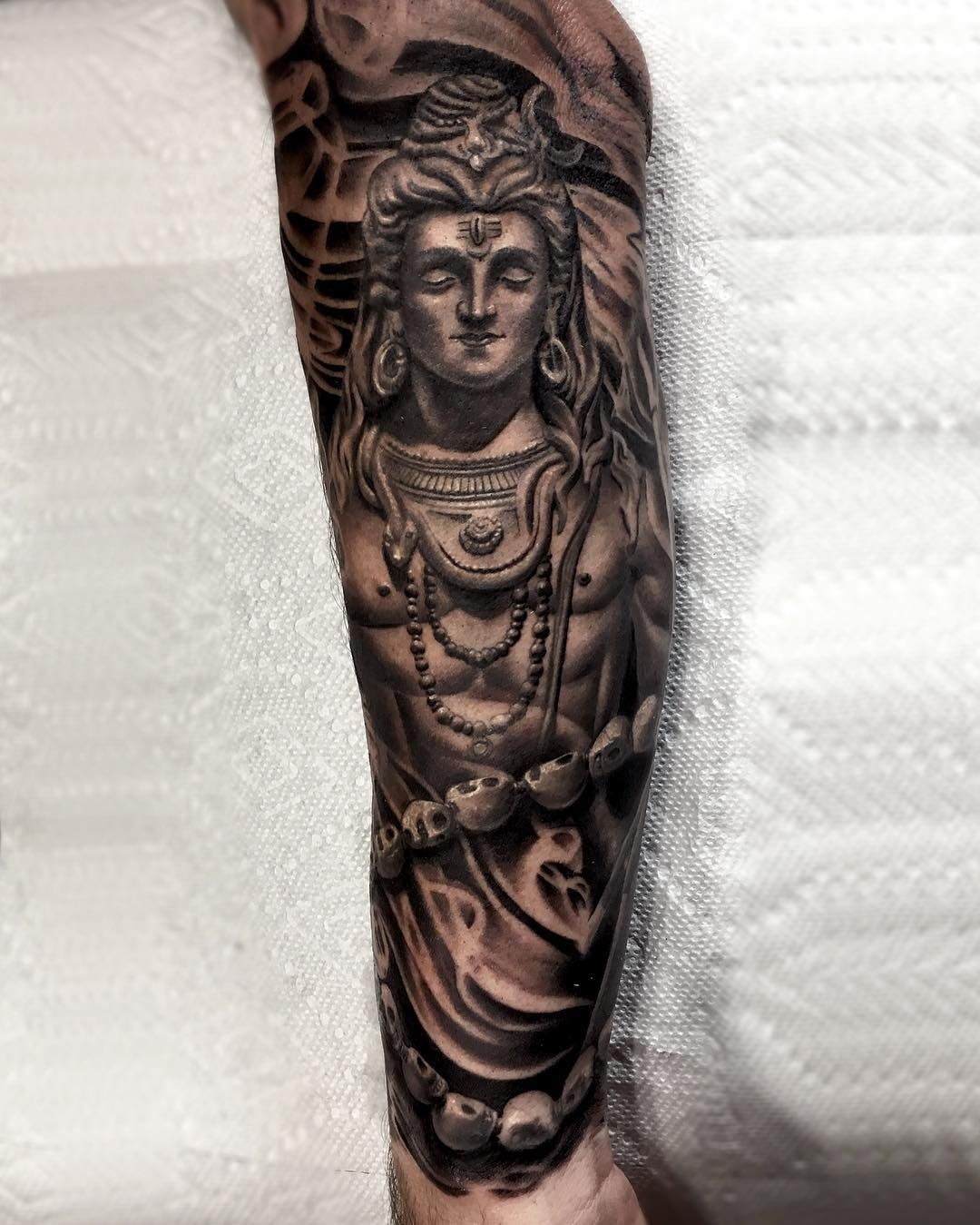 shiva god statue tattoos pinterest shiva tattoo tattoo and tatoo. Black Bedroom Furniture Sets. Home Design Ideas