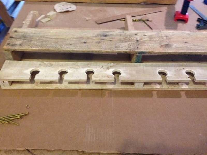 Muebles de palets: construye un botellero hecho con palets para ...