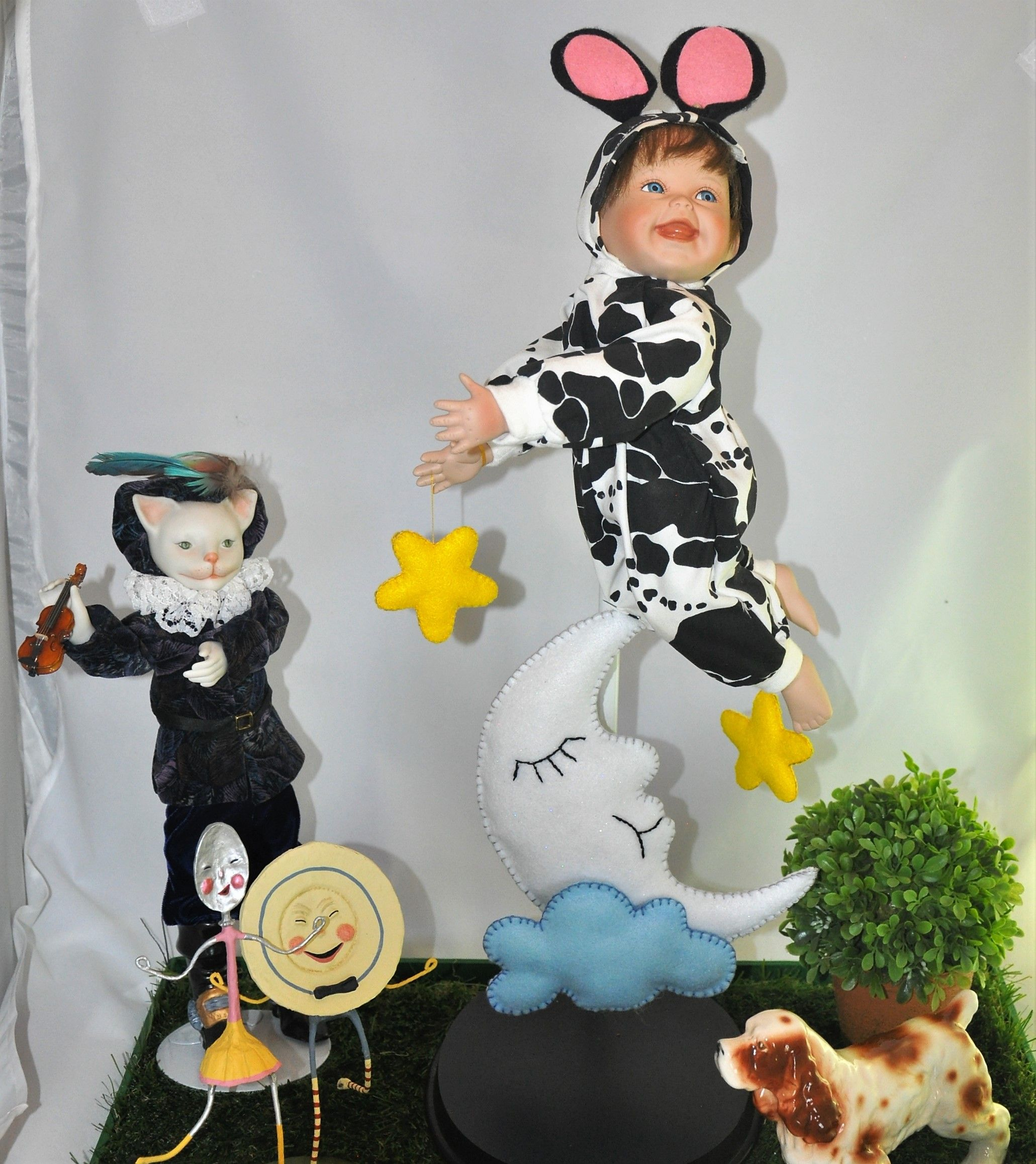 Hey Diddle Diddle the Cat and the Fiddle. The Cow jumped
