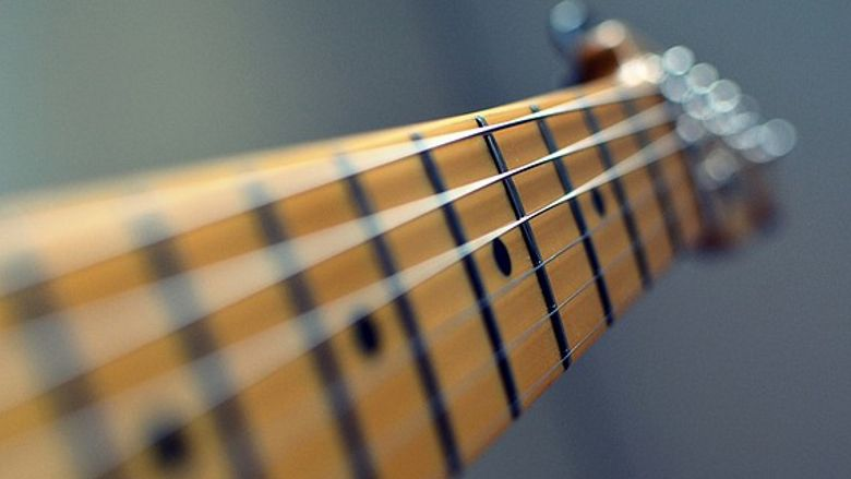 Guitar Essentials: Five Things You Need to Know About Strings ...