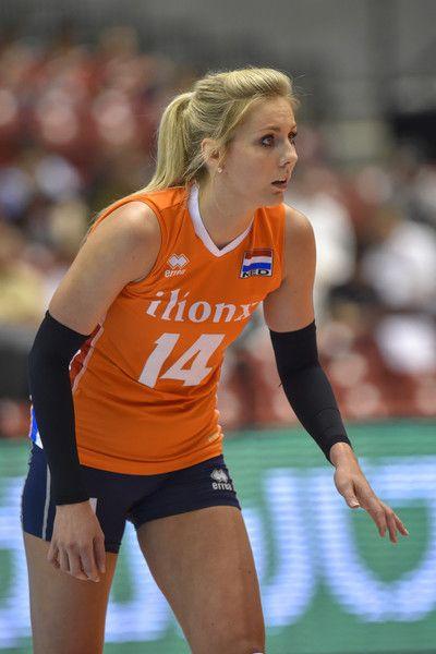 Pin On Volleyballspelers