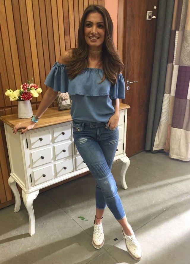 d19a7d3fe5 Look jeans  inspire-se em 11 peças usadas por Patrícia Poeta em 2019 ...