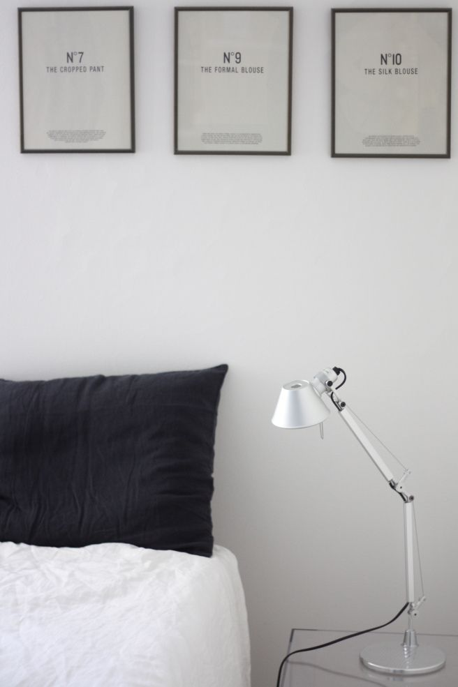 Homevialaura | timeless bedroom | Balmuir linen pillow case in dark grey | Artemide Tolomeo | Kartell Jolly night stand | gallery wall
