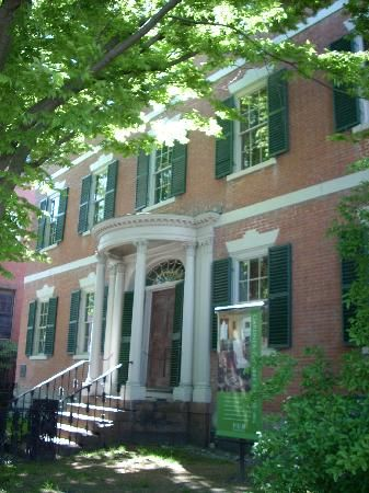 The Mansion Where The Game Of Clue Got Its Origins Salem Massachusetts Historic Homes New England States Places To Go