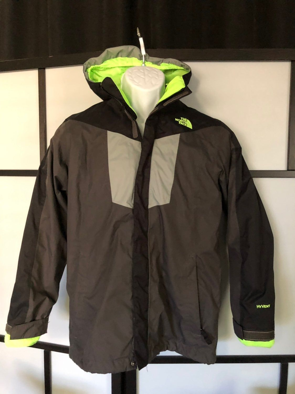 Kids The North Face Hyvent 2 In 1 Winter Coat Jacket Kids Sz L Large 14 16 Gray Black Green 2 In 1 Jacket W Jackets North Face Jacket Triclimate Jacket [ 1500 x 1124 Pixel ]