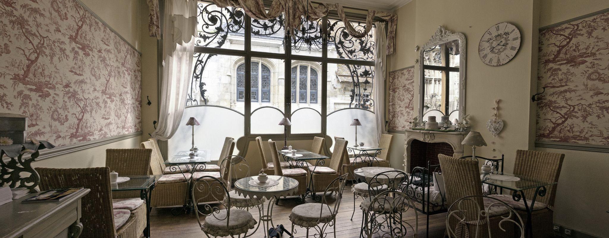 P1030053 - Salon de thé - (tearoom) \