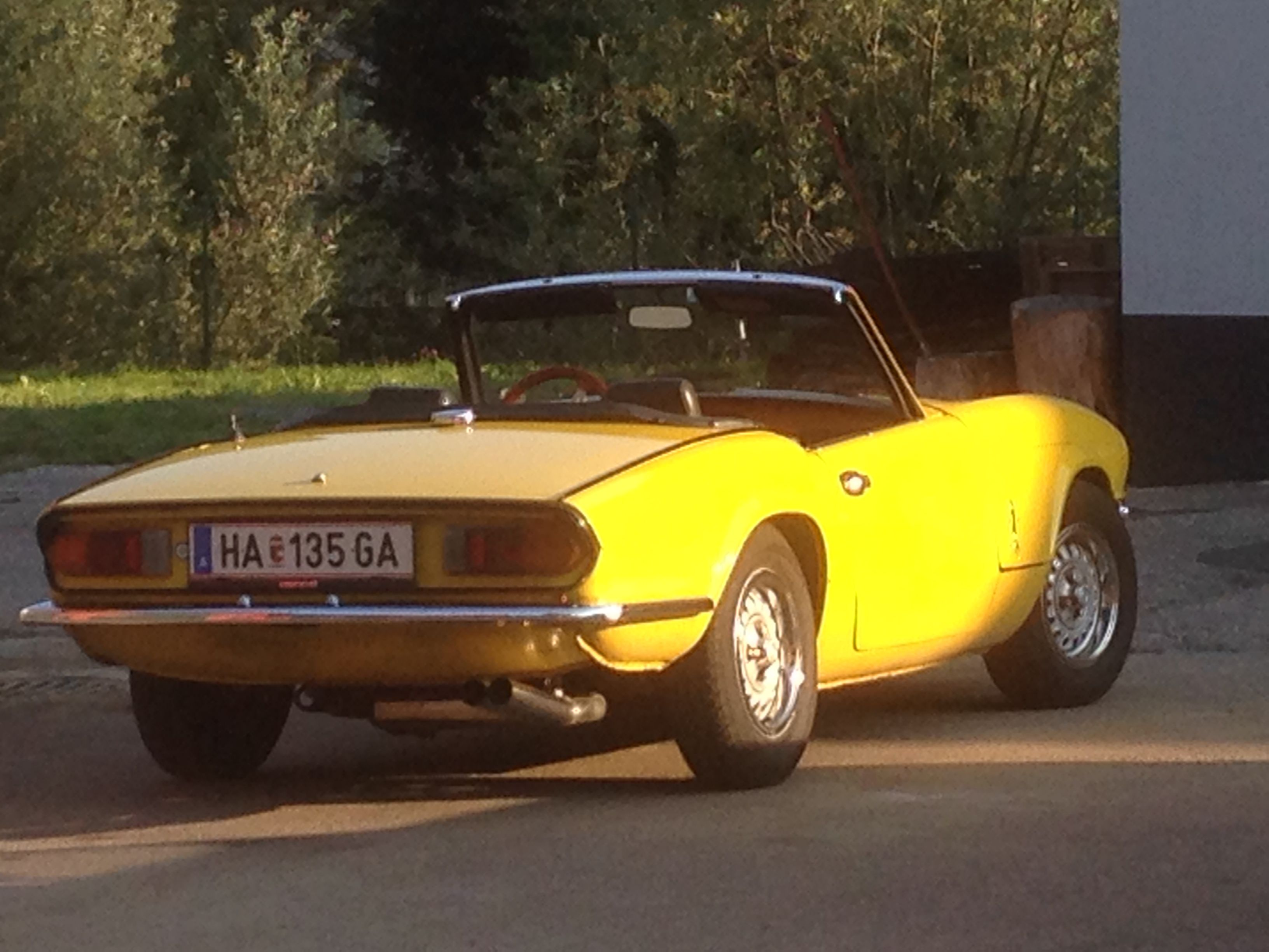 triumph spitfire 1500 inca yellow the english patient. Black Bedroom Furniture Sets. Home Design Ideas
