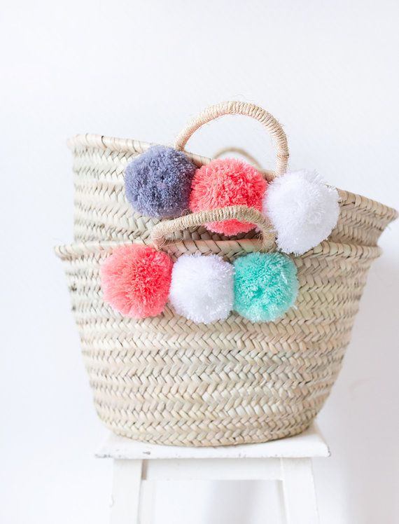 pom pom bag beach bag nursery decor pom pom basket bridesmaids gift market straw tote toy. Black Bedroom Furniture Sets. Home Design Ideas