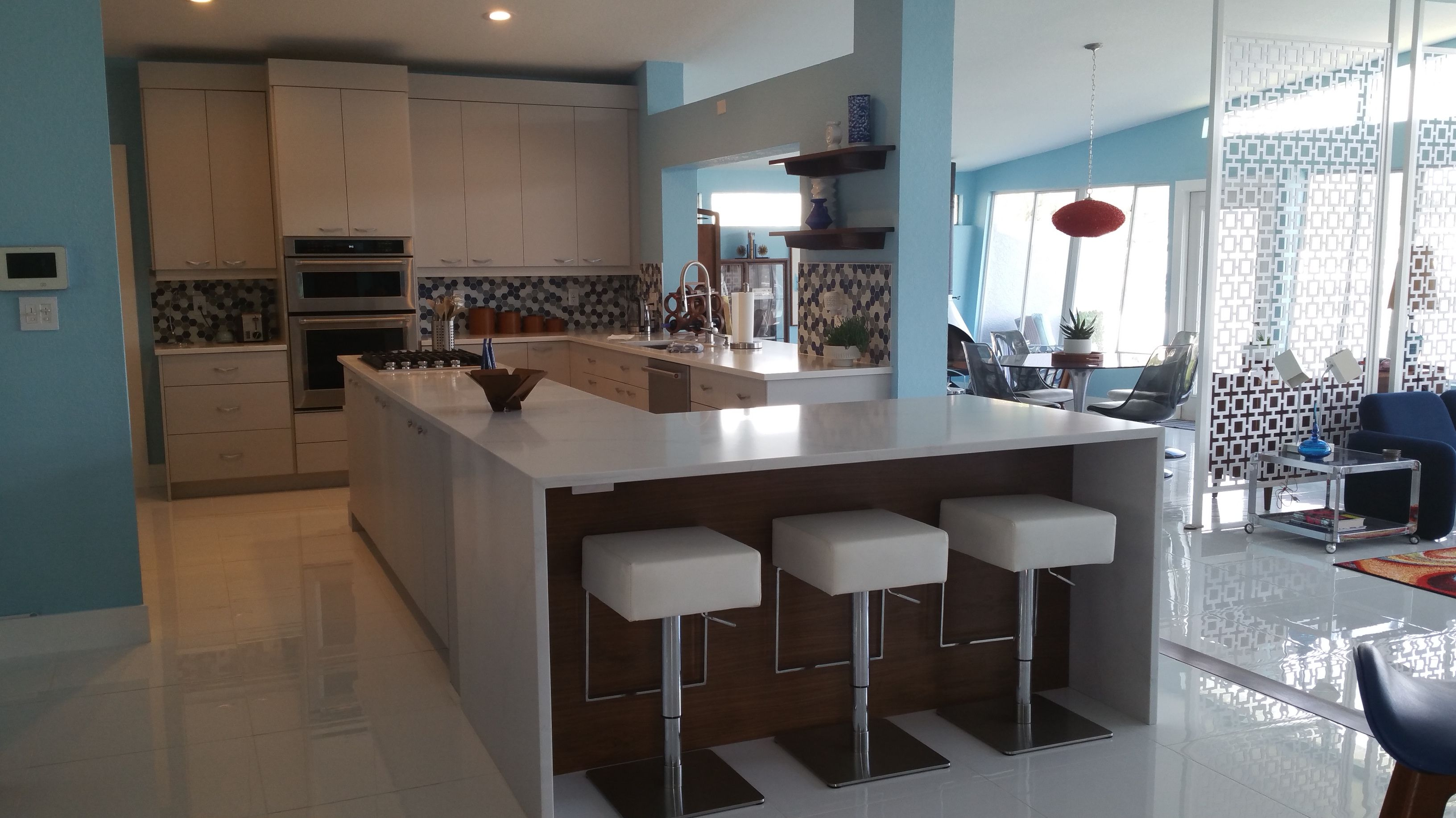 Beach House Ideas Coming To Life My New Mid Century Modern Kitchen Mid Century Modern Kitchen Beach House Modern Kitchen