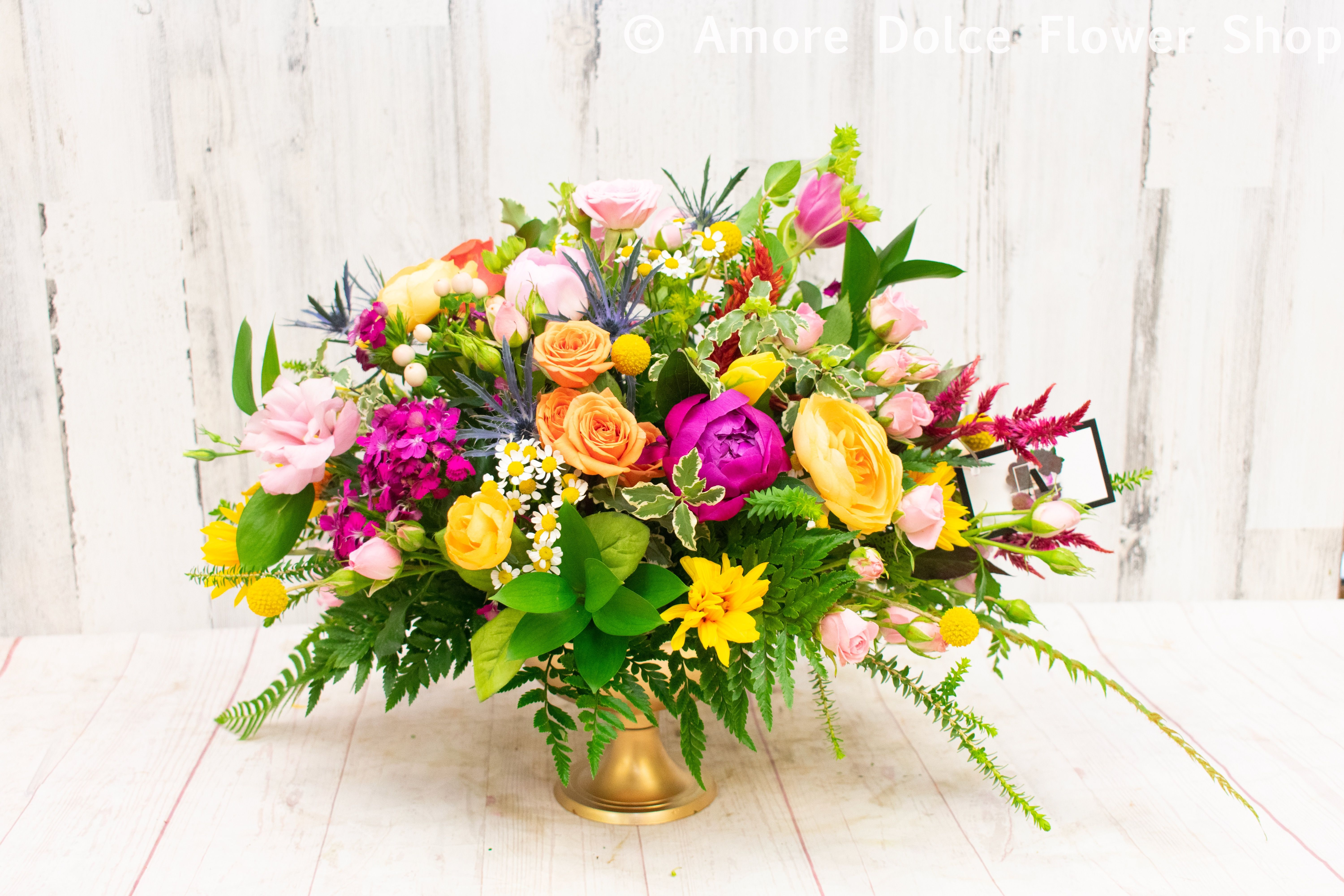 Centerpieces Most beautiful flowers, Flower delivery