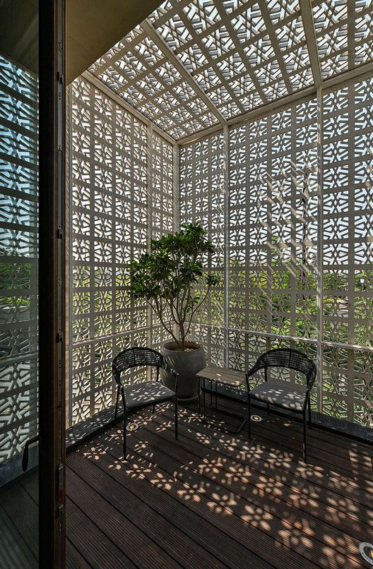 Gallery of 18 Screens House / Sanjay Puri Architects - 6