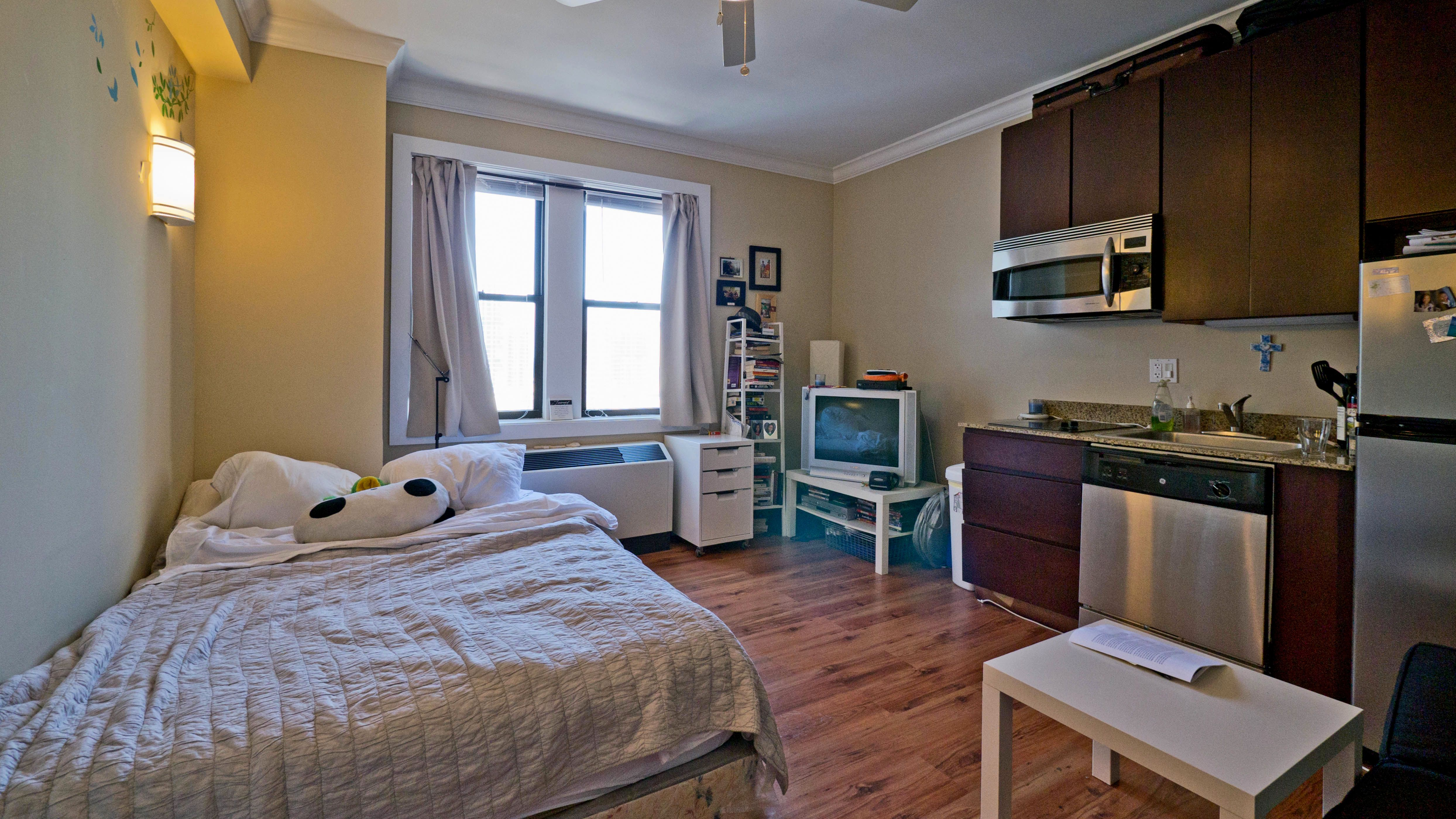 Vintage Small Apartment Renting a house, Bedroom