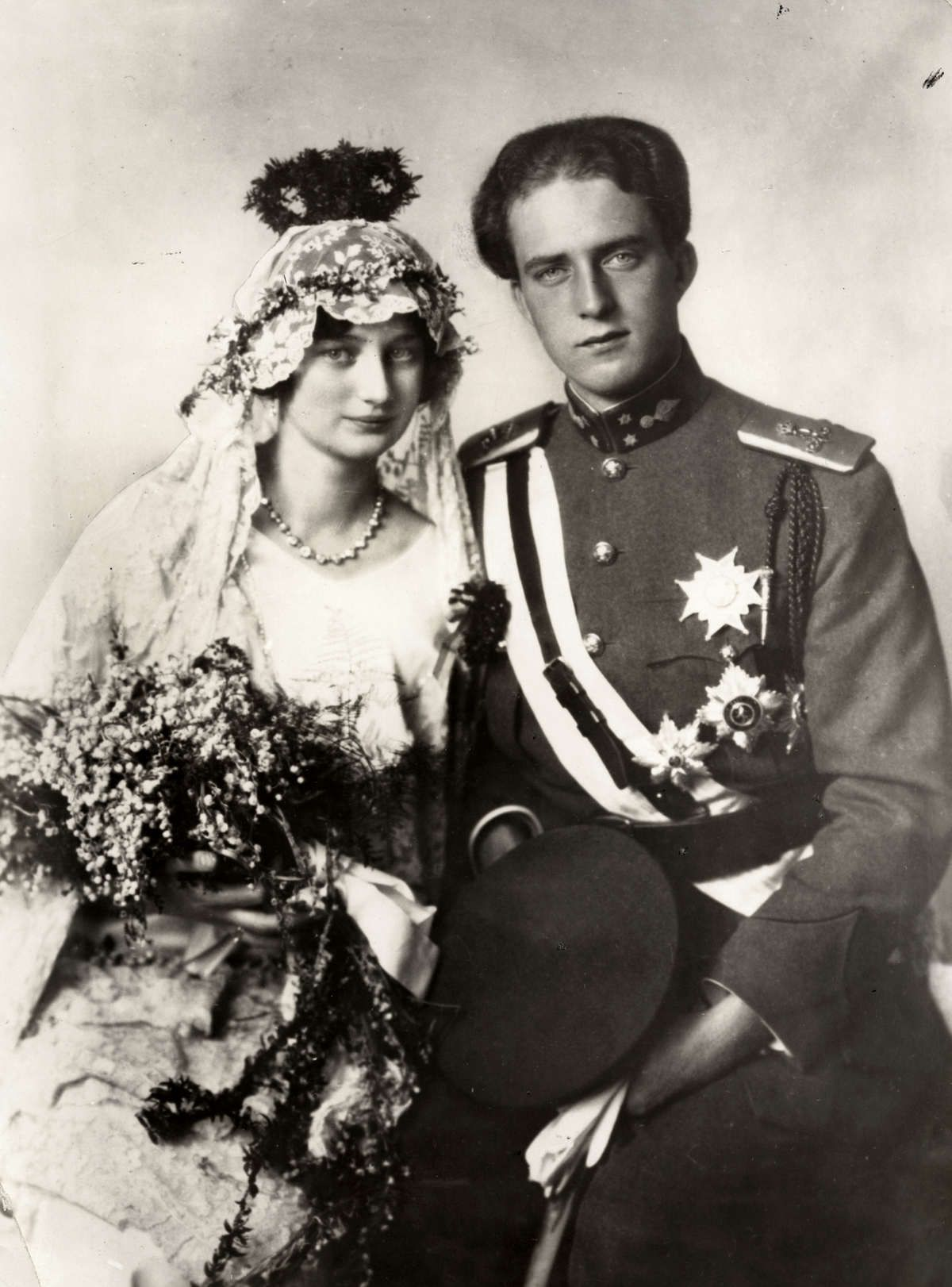 King Leopold Iii And Queen Astrid Of The Belgians 1926 Royal Weddings Belgium Vintage Bride [ 1622 x 1200 Pixel ]