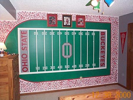 Painting a football field on the wall sports bedroom ideas pinterest football field for Ohio state bedroom paint ideas