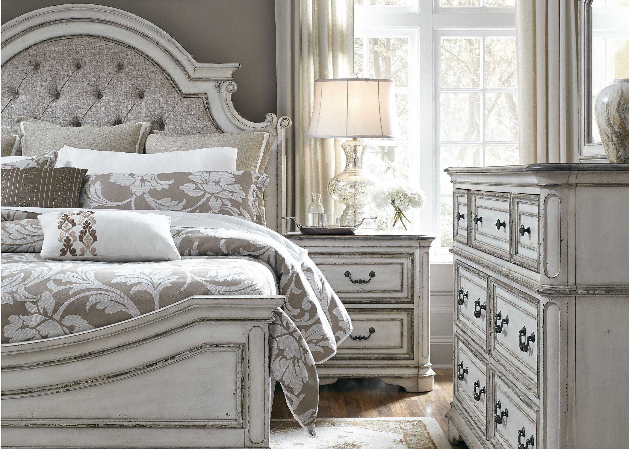 Magnolia Manor Antique White Upholstered Panel Bedroom Set In 2020