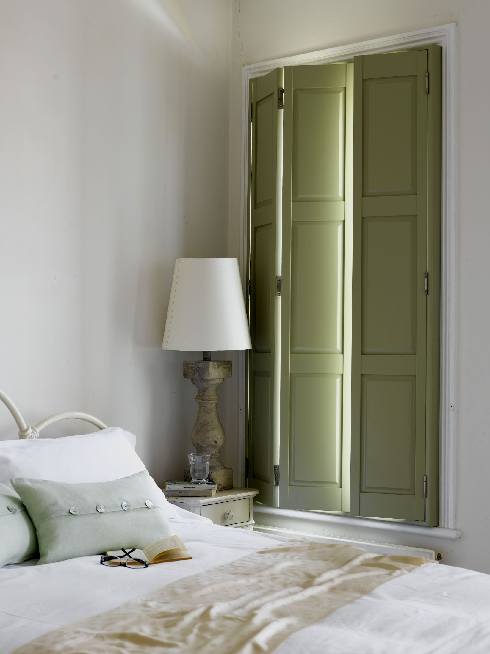 Add some traditional elegant to a bedroom design with