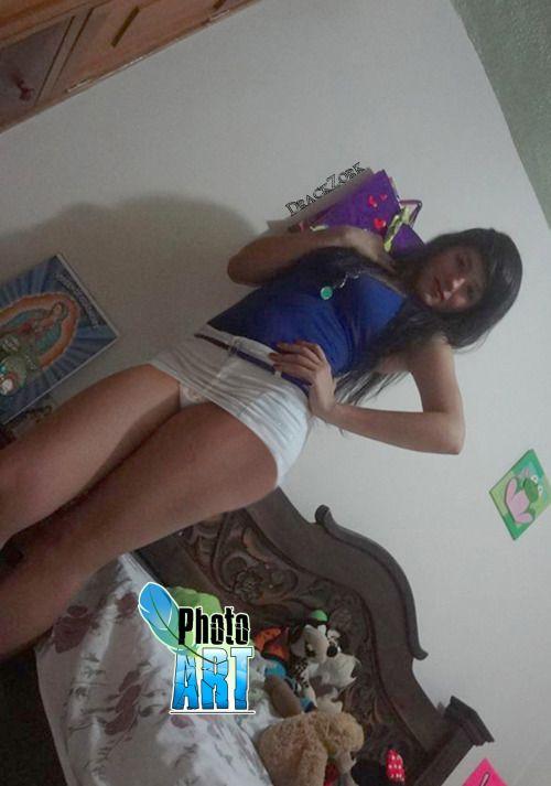 Upskirt falda corta mas amiga nalgona - 1 6