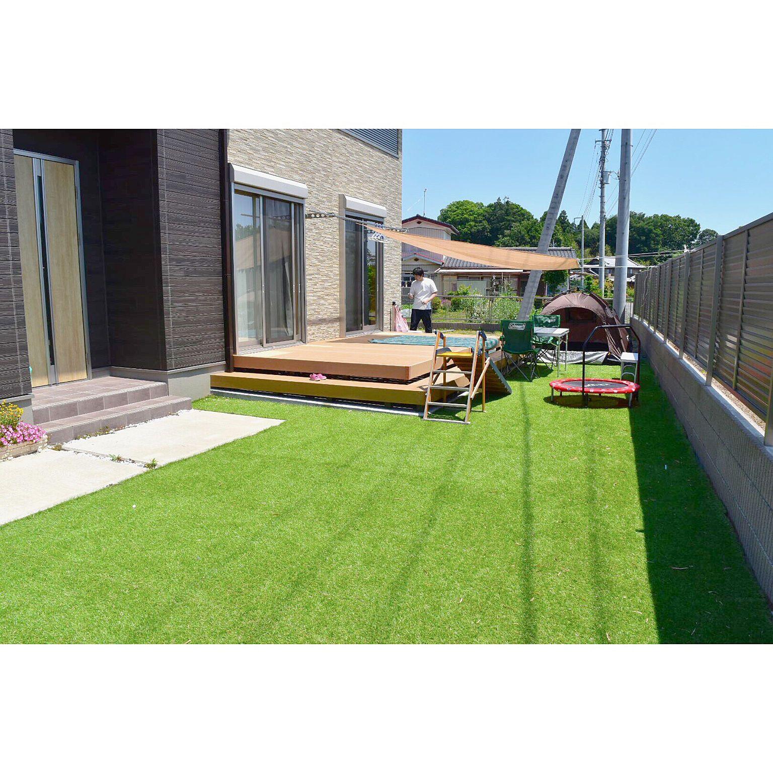 人工芝 外構 シンプルにすっきりと暮らす 子どもと暮らす 人工芝diy
