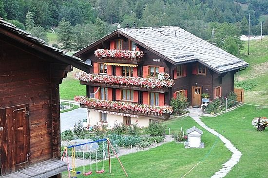 I miss beautiful houses like this things i remember for Swiss homes