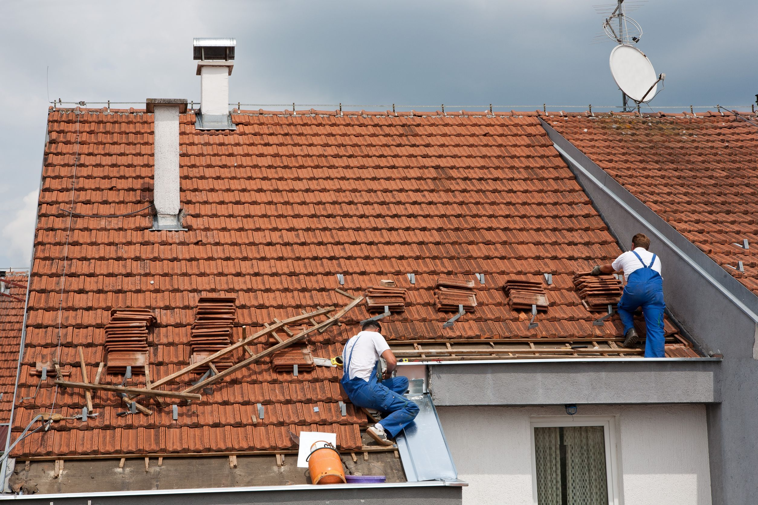You Can Ensure The Maximum Life Of Your House But You Have To Take Some Important Steps For This Drive Roof Restoration Roof Installation Roofing Contractors