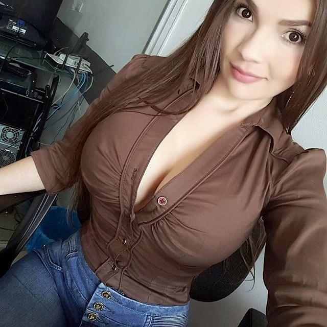 Porno ngenyot susu