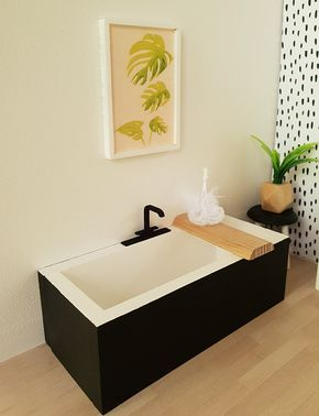 Black and White Bath Tub, Caddy and Loofah, Dollhouse, 1:12 scale, Monochrome, Modern Miiniatures