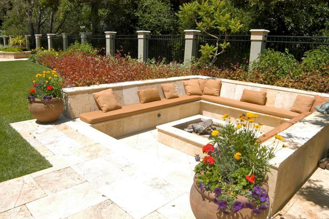 24 Beautiful Backyard Design With Awesome Fire Pit Ideas To Gather ...