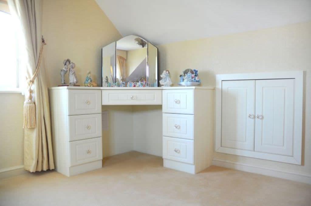 42++ Corner vanity table bedroom info