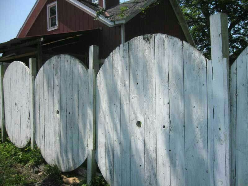 Wire spool fence | Fun ideas | Pinterest | Wire spool, Fences and ...