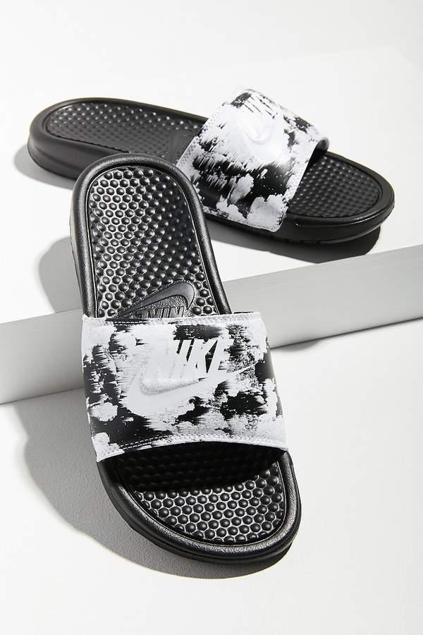 64f41056008b Such a fun print on these Nike Benassi JDI Slides!  nikewomen  sandals   blackandwhite  tiedye  slide  summerstyle  poolshoe  afflink