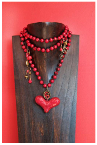ecc707b82ba3 Collar con Corazón Rojo con Piedras Semipreciosas Luma Joyas ...