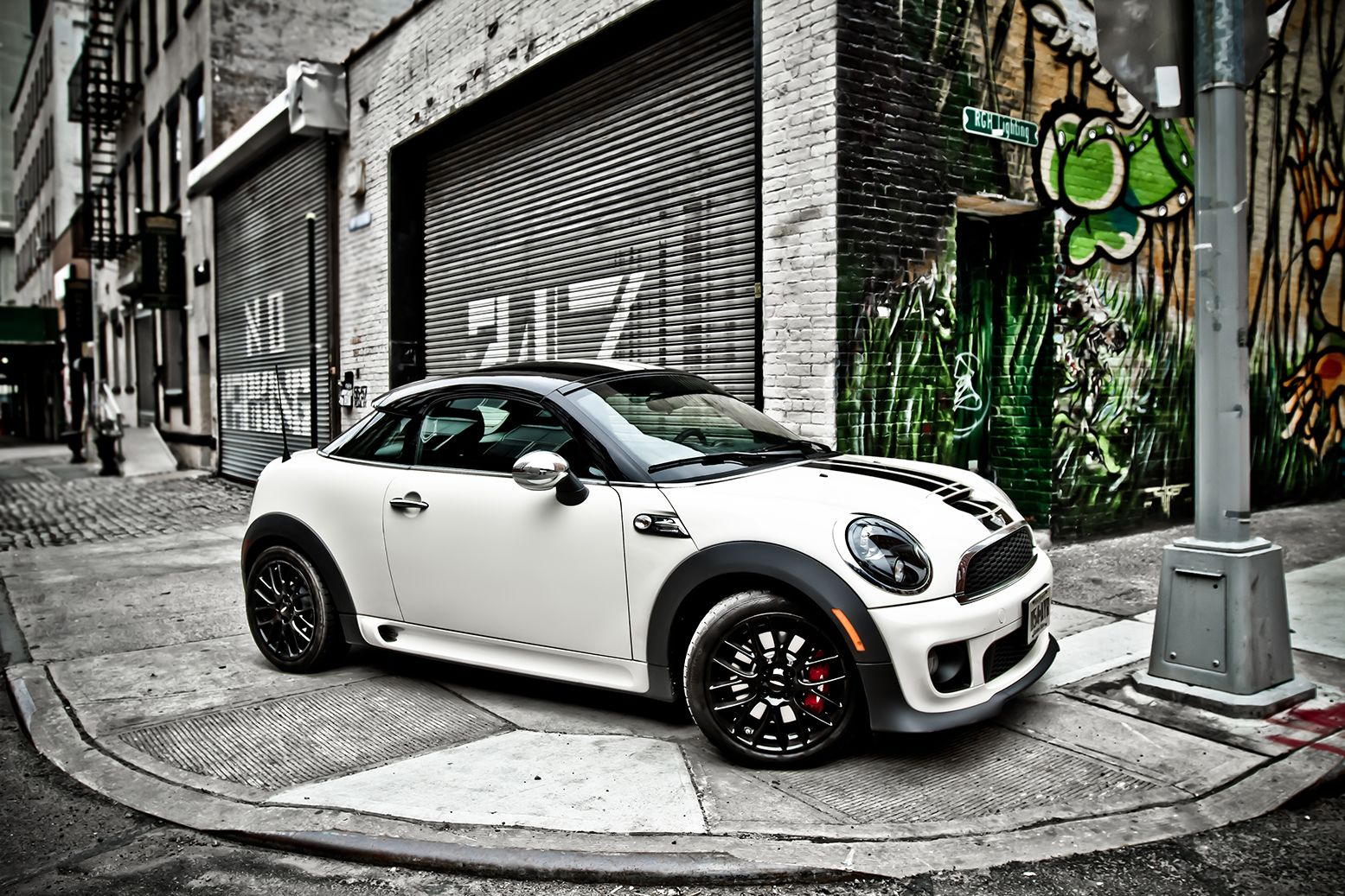 mini cooper coupe jcw water street dumbo bk car spotting pinterest minis water and street. Black Bedroom Furniture Sets. Home Design Ideas