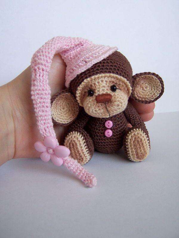 вяжем крючком обезьянку