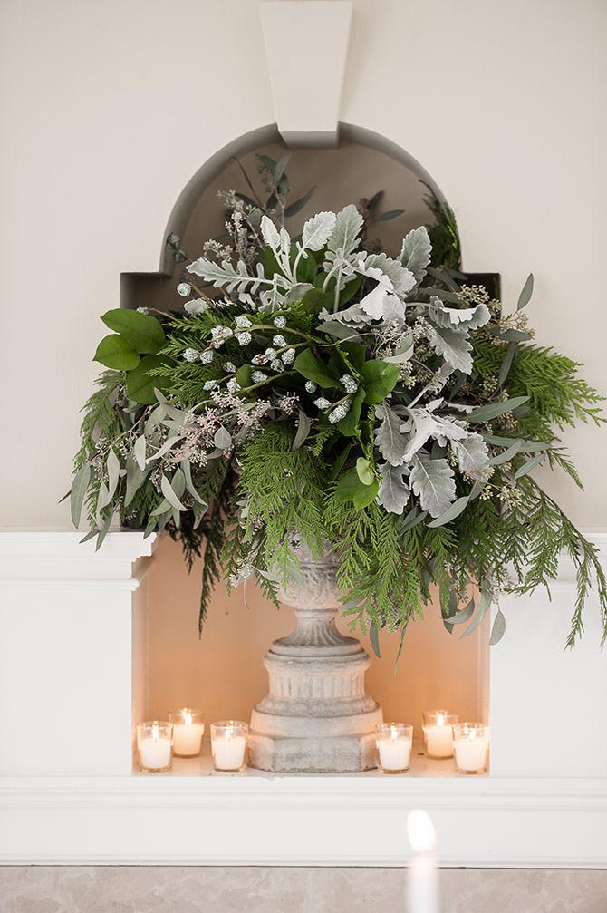 Stunning winter florals by D&D floral design  http://www.floraldesigns.ca