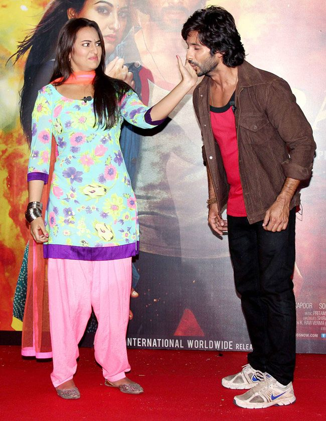 Shahid, Sonakshi at the trailer launch of R...Rajkumar