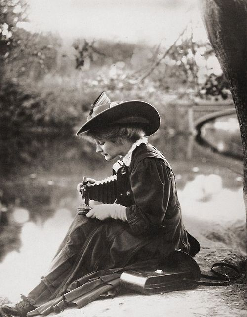 Unknown Woman with a Kodak Camera in the firsts years of 1900s. – #art #edwardia…