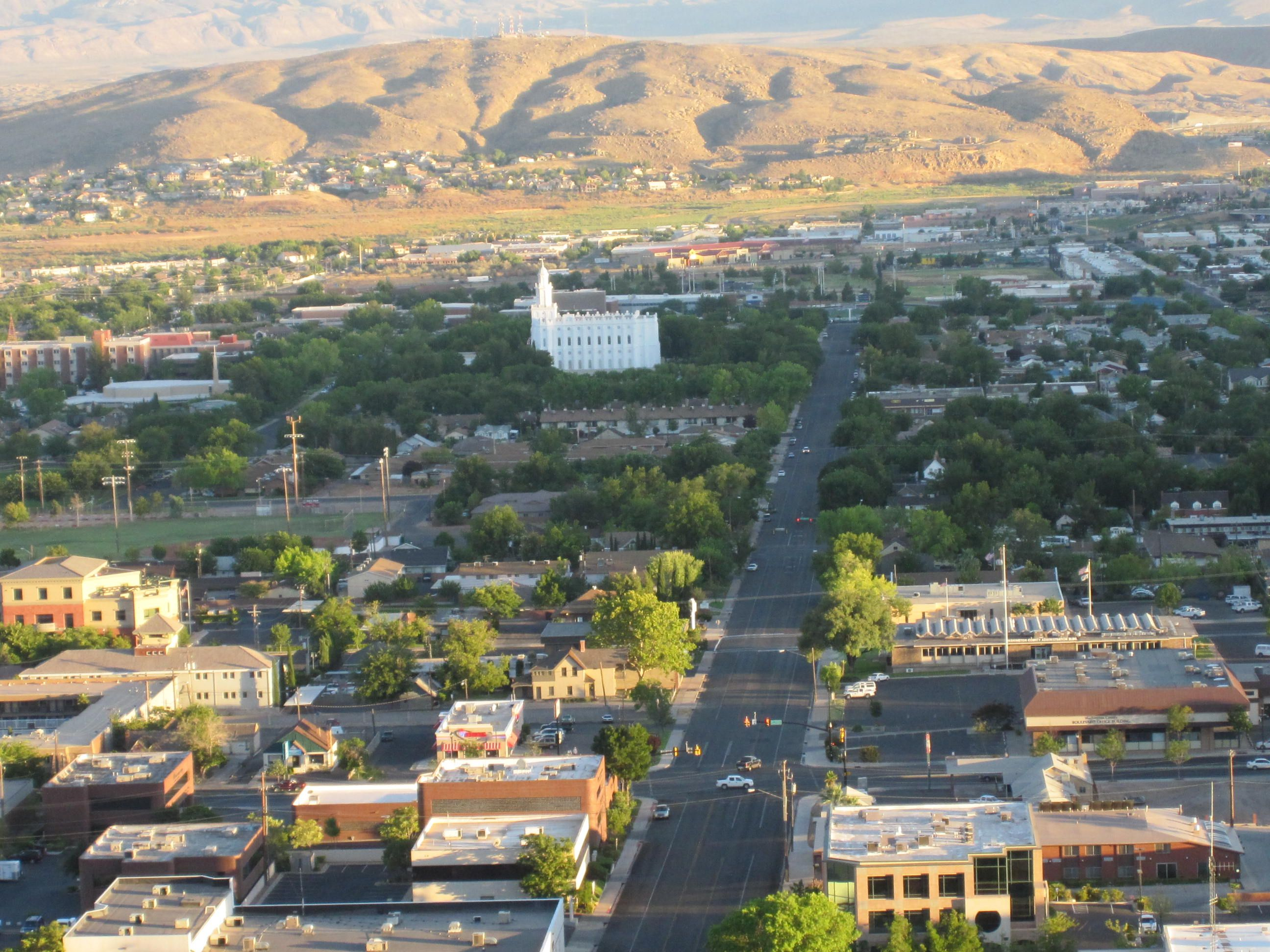 Downtown St George Just As The Sun Is Setting St George Utah St George Utah